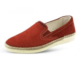 Ladies' shoes in red with ribbing